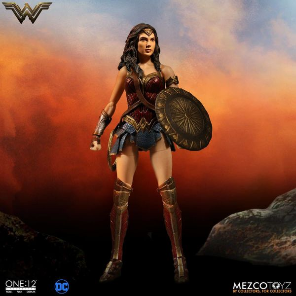 WONDER WOMAN FIGURA 16 CM DC UNIVERSE WONDER WOMAN MOVIE ONE:12 COLLECTIVE