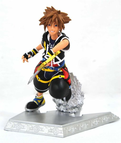 SORA EXCLUSIVA DIORAMA PVC 18 CM KINGDOM HEARTS GALLERY
