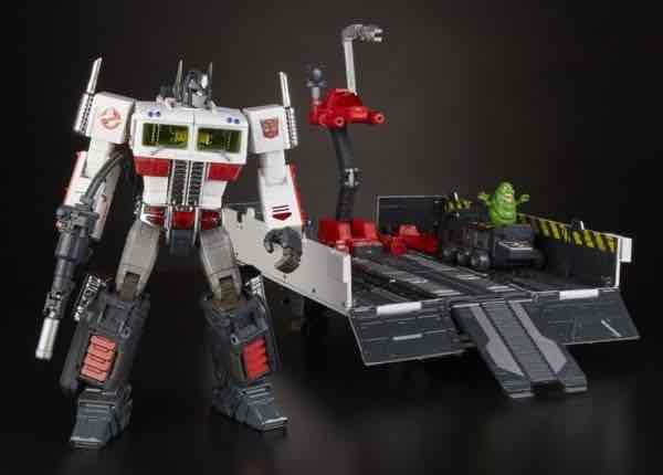 OPTIMUS PRIME X GHOSTBUSTERS MP10G ECTO-35 FIGURA 24 CM TRANSFORMERS SDCC 2019